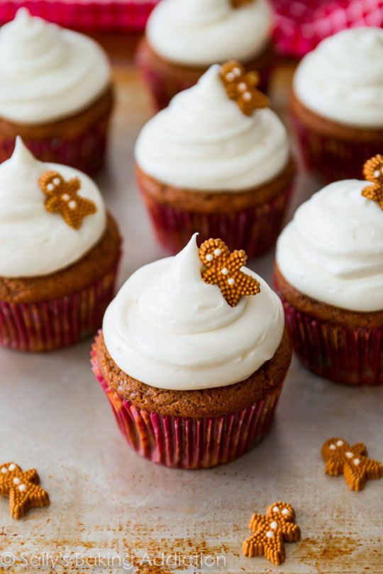 Gingerbread Cupcakes with Cream Cheese Frosting - easy homemade recipe at…