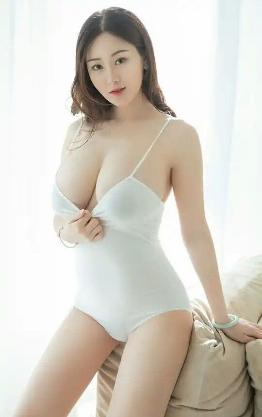 Nude sexy white korean girls are