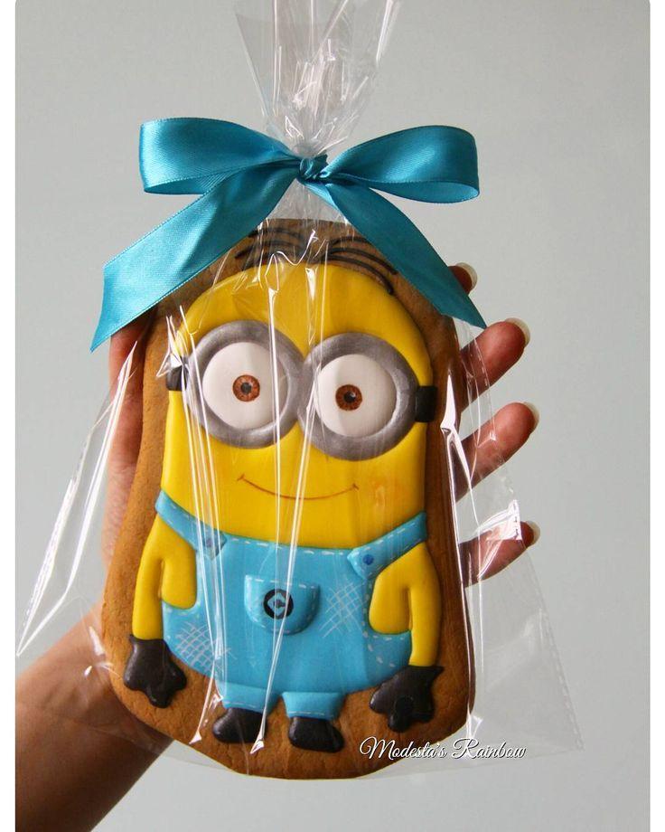 Minion  #decoratedcookies #cookiedecoration #sugarart  #customcookies