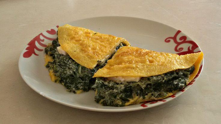Omelette agli spinaci, ricotta e brie CLICCA QUI PER LA RICETTA ->  http://blog.giallozafferano.it/eli93/omelette-agli-spinaci-ricotta-e-brie/