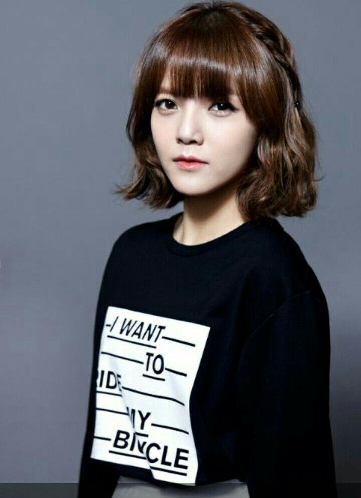 Pin by Shin Ji-min on shin | Medium short hair, Jimin aoa, Jimin hair