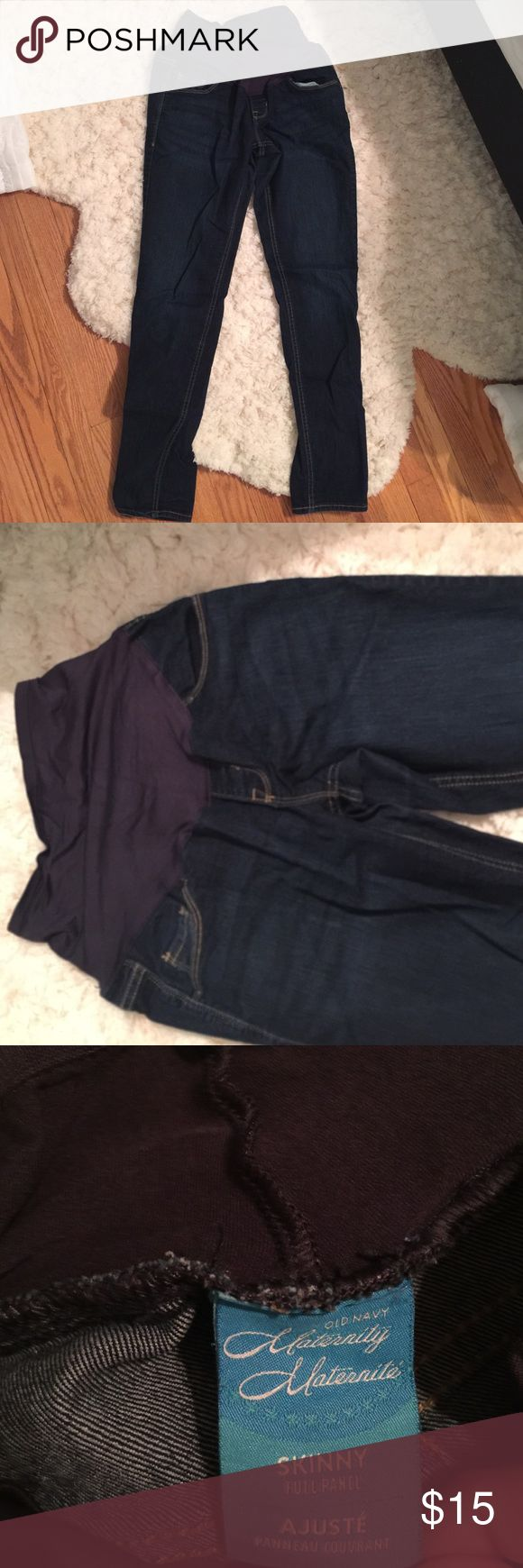 Old Navy maternity jeans Favorite pair of maternity jeans! Old navy - skinny fit Old Navy Jeans Skinny