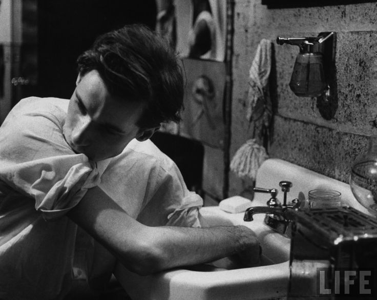 Pianist Glenn Gould soaking his hands in the sink to limber up his fingers before performing. (A habit I've developed from one of my piano teachers.)
