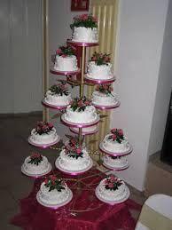 Resultado de imagen para pasteles de quince años en base de herreria