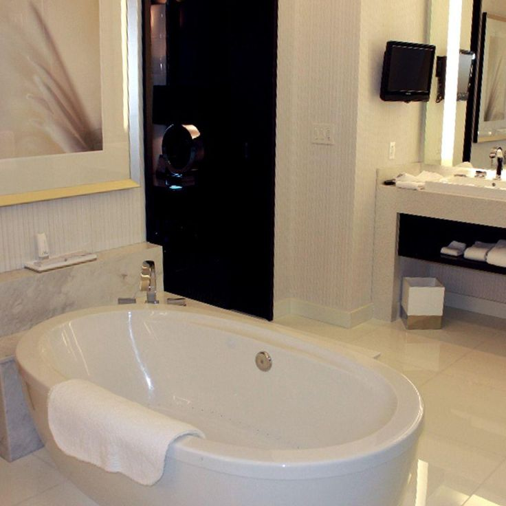 24 best Hydrosystems Tubs images on Pinterest | Soaking tubs ...