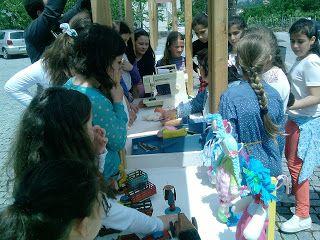 MATRAFONA bonecas de pano     : outra foto em Resende com alunas de uma escola no ...