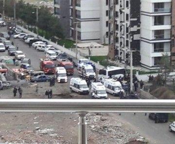 Diyarbakır'da çok Büyük Patlama,çok Sayıda Ambülans Istandi   Haberhan Siyasi Güncel Haber Sitesi