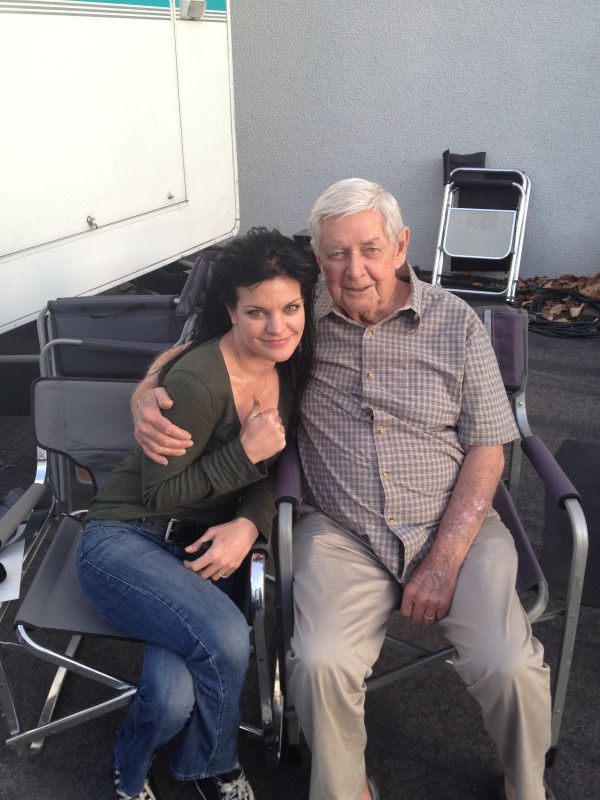 with Ralph Waite while filming #NCIS200     (  he will always be john Walton to me ,<3 )