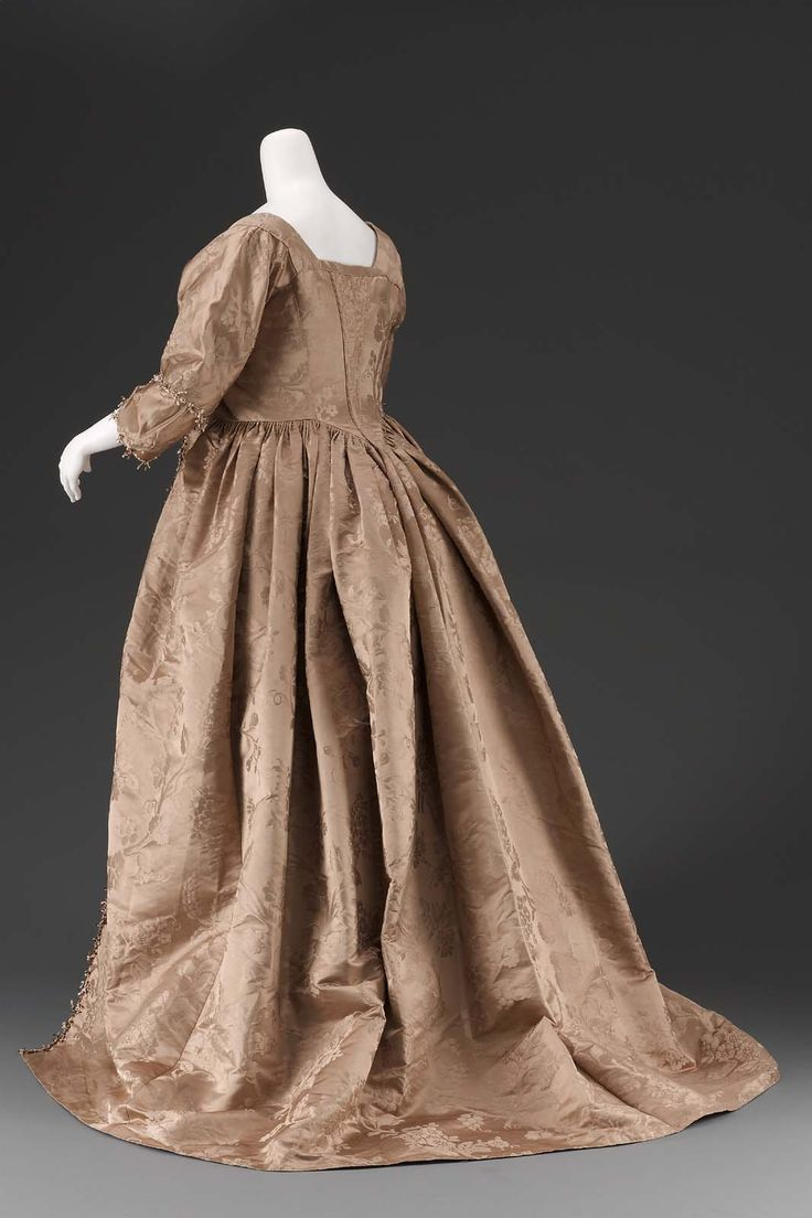 Dress, 1770–80, accession number 59.647, Museum of Fine Arts, Boston.