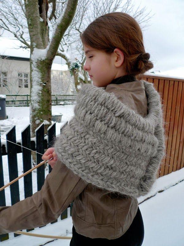 Katniss Everdeen Cowl Knitting Pattern : Helene Magn?sson - Knitting news from Iceland: Sylvias Huntress Lopi cow...