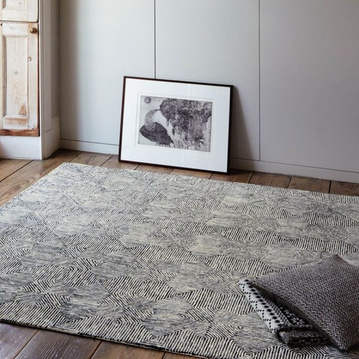 Camden Black/White Geometric Wool Rug by Asiatic Camden Black/White Geometric Wool Rug by Asiatic is a classic floral décor element for your room. This black and white coloured rug with unique designing is compiled with the perfect blend of wool and rayon fibre. #luxuriousrugs #woolrugs #geometricrugs #modernrugs #handmaderugs