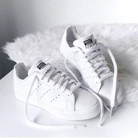 adidas blancas lisas