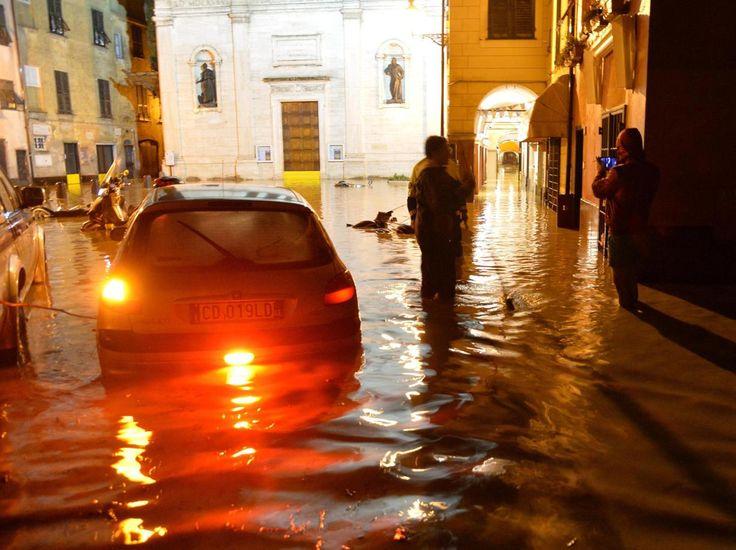 #Katastrophenalarm in Italien Provinz #Ligurien Genua