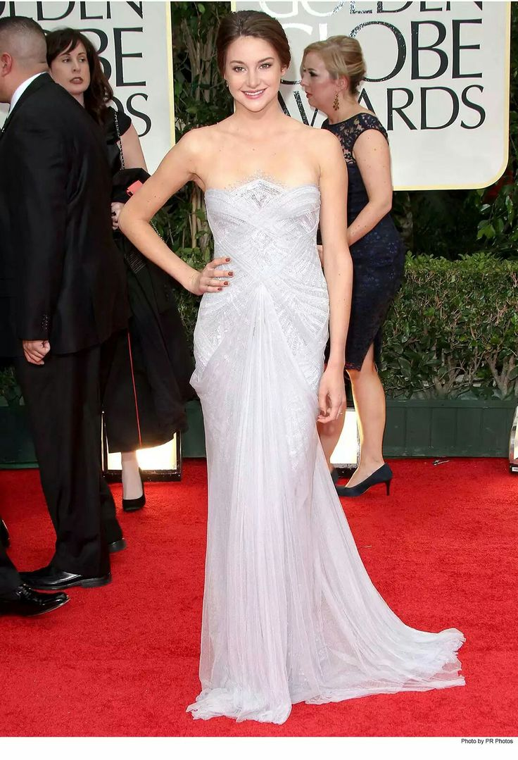 24. Younthful but classy- Trendsetter Shailene Woodley in Marchesa at the 2012 Golden Globe Awards