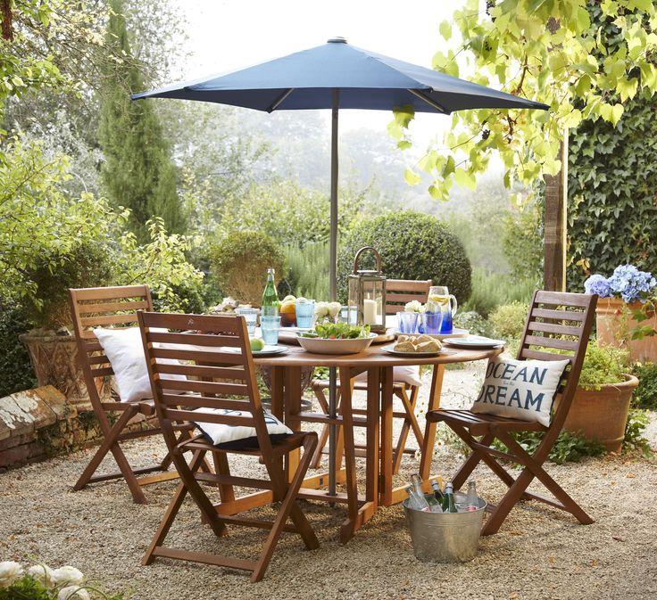 Make your garden furniture the centrepiece in