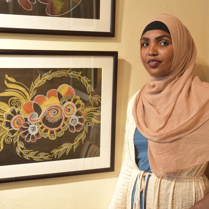 "Ismahan Hussein from Somalia is one of the many talented artists exhibiting their work at Alliance Française de Nairobi. . She lives in Kakuma refugee camp and works as a henna artist training how to do henna on canvas. . Artists from #Kakuma #Dadaab and #Nairobi are exhibiting their work until Monday 27 November. To learn more about this project Google: ""Artists For Refugees UNHCR"" . UNHCR/Modesta Ndubi #ArtistsForRefugees #Art #Henna #Canvas #Artists #Refugees #WithRefugees #Kenya"