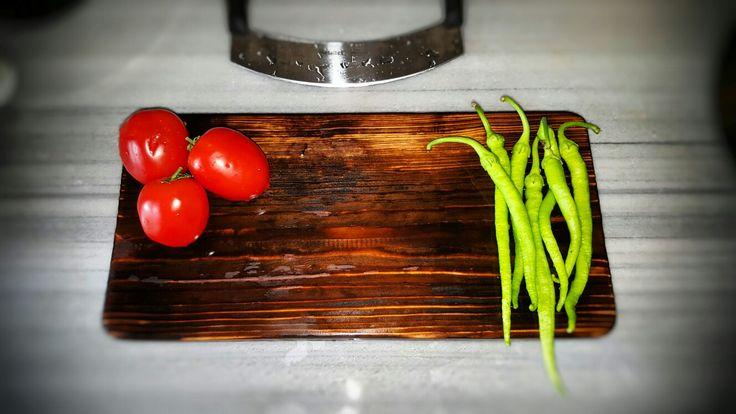 Servis Ahşabı & Service Board  Ağaç Dekor Doğallığıyla.. Ürünlerimiz garantili ve uygun fiyatlıdır.  Sipariş ve diğer detaylar için iletişime geçebilirsiniz.  #blackwood #agacdekor #servistabağı #servistabağı #servicewood #agacdekorconcept #kitchen #woodlife #wooddecor #woodtime #dogadandekor #agackonsept #doğallık #carpenter #doğaldekor #kesmetahtasi #servistahtasi #sunumtahtası