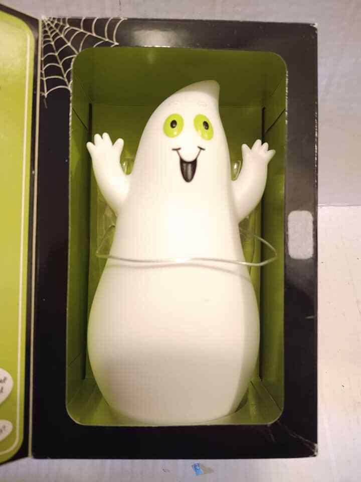 Hallmark Fun in the Fridge Singing Speaking Ghost w//Box Halloween Decoration NOS
