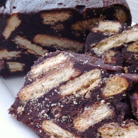Deze cake is #simpel #lekkersnel en #kannietmislukken !!      Ingrediënten:     250 gr boter   200 gr bruine suiker   50 gr cacao   2 eetl v...