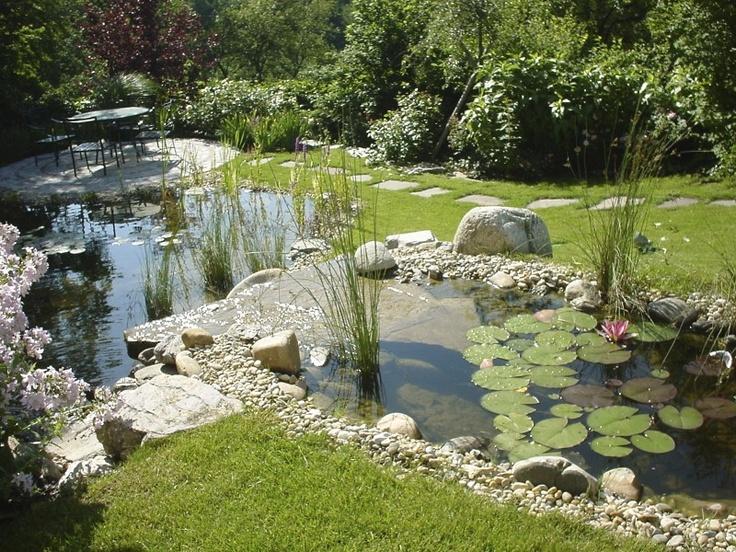 fließendes Wasser belebt jeden Garten