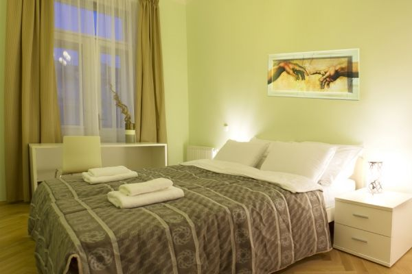 Prague, Czech Republic Vacation Rental, 1 bed, 1 bath, kitchen with WIFI in Smichov. Thousands of photos and unbiased customer reviews, Enjoy a great Prague apartment rental perfect for your next holiday. Book online!