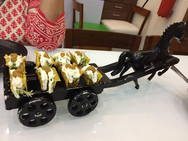 Mini tacos served with a difference on a chariot. #impressive