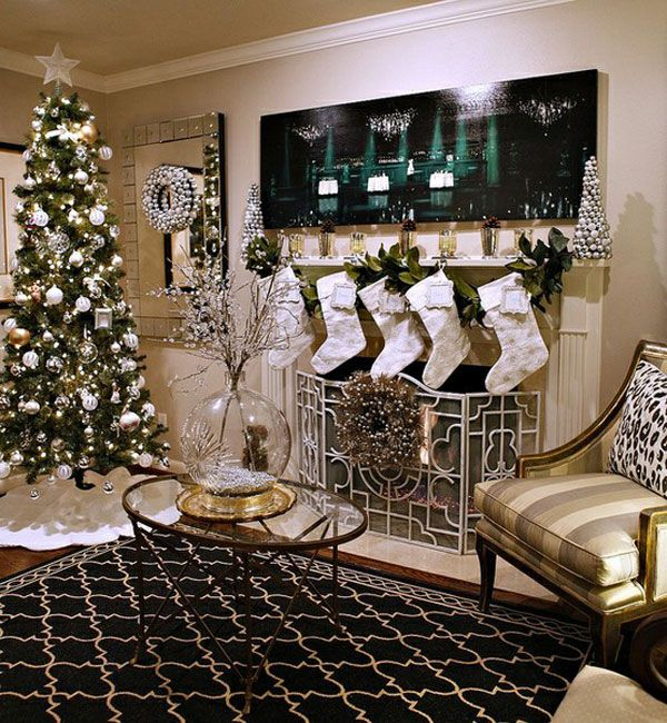 Family Room Christmas Decoration Ideas Part - 49: Festive Christmas Décor Design To Keep Your House Exciting: Luxury Family  Room Applied Modern Christmas Decorating Ideas With Striped Brown .