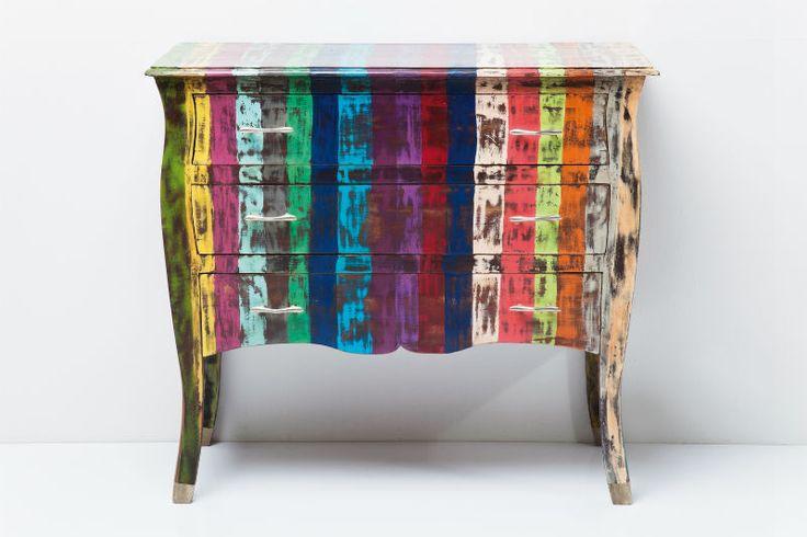 Συρταριέρα Rainbow Vintage (3 Συρτάρια) Μία ιδιαίτερη συρταριέρα, σε ένα υπέροχο συνδυασμό χρωμάτων και vintage look, με τρία συρτάρια. Κατασκευασμένη από ξύλο mango και επινικελωμένα μεταλλικά πόμολα.