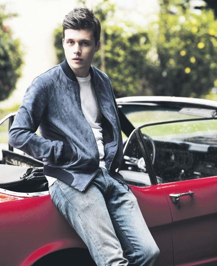 Nick Robinson | celebrity bulge | Nick robinson, Hayes grier