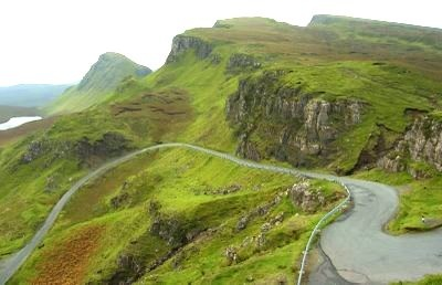 Winding road that runs from Staffin to Uig, Isle of Skye, Scotland - http://tour-scotland-photographs.blogspot.com/search/label/Tour%20Scotland%20Skye?updated-max=2009-06-03T13:16:00%2B01:00&max-results=20&start=40&by-date=false