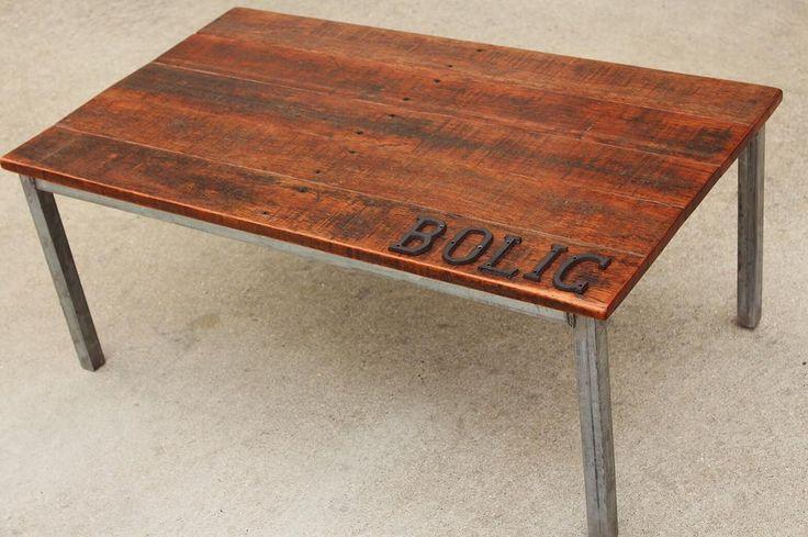 ローテーブル インダストリアルが止まらない これも月のイベントでお披露目します . #BOLIC  #和歌山県  #田辺市  #アイアン家具  #鉄  #インテリア  #男前インテリア  #古材  #鉄脚  #趣味  #ジャンク  #足場板  #ビンテージ  #ハンドメイド  #インダストリアル #工業系 #デザイン  #diy  #iron  #industrial  #Design  #vintage  #junk  #steel  #wood  #table  #living  #love  #chair  #This by _bolic_
