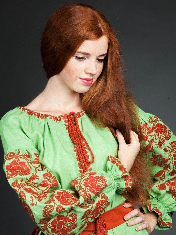 Ricamato abito ricamo ucraino L'armonia di