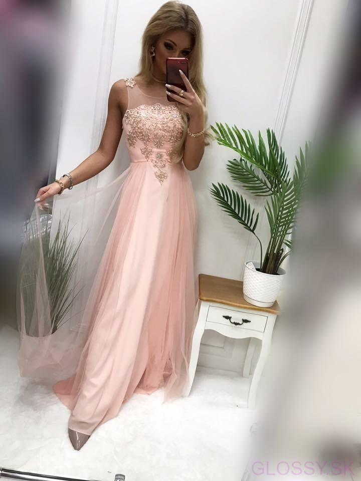 074ca6d213fd Dlhé šaty s kamienkami sú ideálne na svadbu