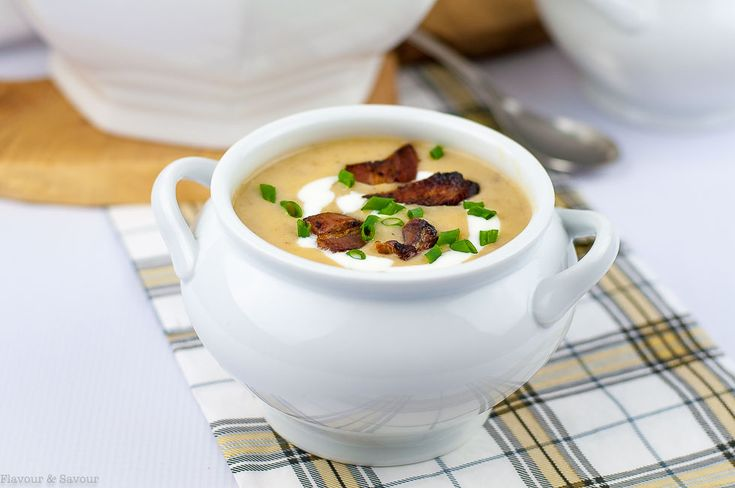 Instant Pot Potato Leek Soup with Bacon Smooth and creamy this full-flavoured soup is one you need to make soon! Made with Yukon Gold potatoes leeks and bacon it cooks quickly in an Instant Pot.
