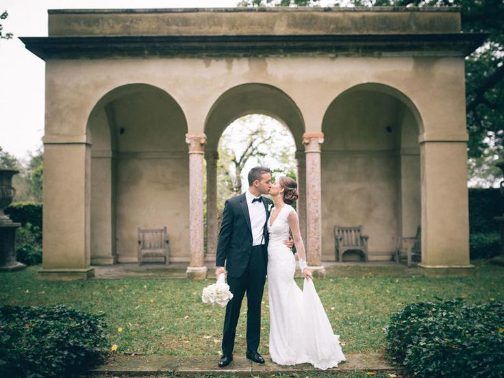 Look To The Knot For Local Details About Getting Married In Delaware From Choosing Your Wedding Venue Marriage License