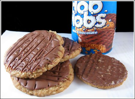 Homemade Hob Nobs... I have to try this, since the real thing are impossible to find where I live.
