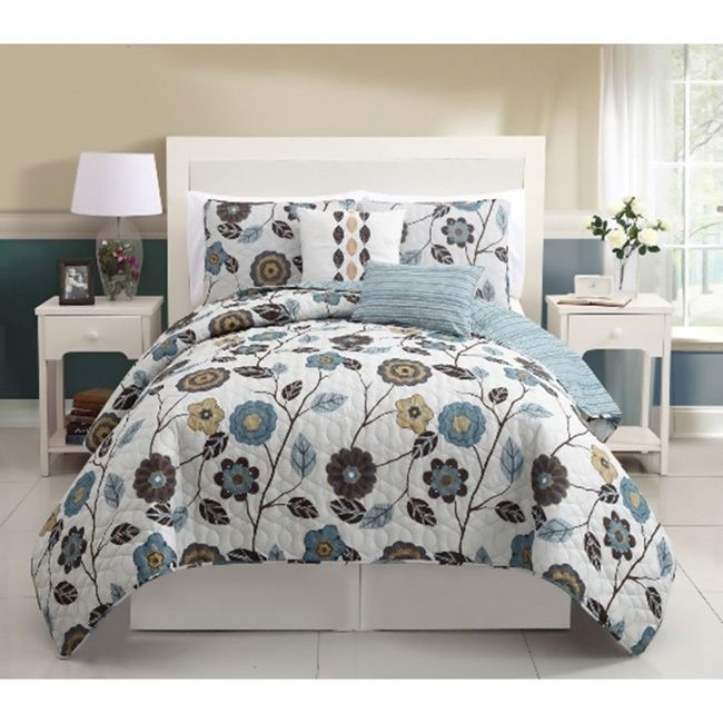 Spruce Up Your Bedroom With This Charming 5 Piece Quilt Set Lovely Ensemble