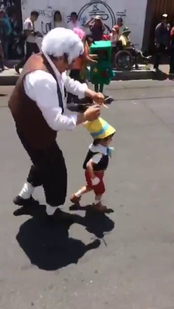 Halloween 2020 Father And Son This father and son just won fancy dress with this Pinocchio
