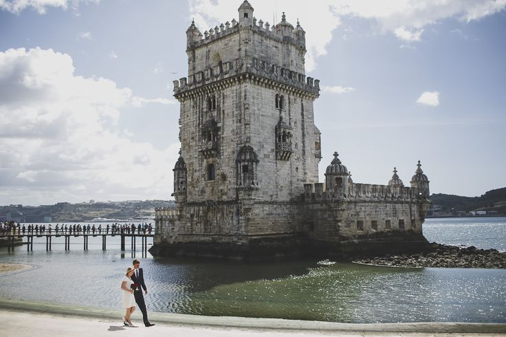 My last Norwegian couple during a walk by Tagus bank in Lisbon with the Belem tower as background. A well known monument for them, so lovely time! #norwayonmyheart #norwegiancouple #norway #oslocouple #embassy #norwayembassy #civil #intimatewedding #smallwedding #belem #belemtower #tagus #tagusriver #lisbonwedding #lisbon #destination #portugal #small