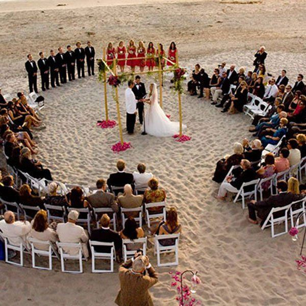 What You Should (And Shouldn't) Post About Your Wedding on Social Media | BridalGuide