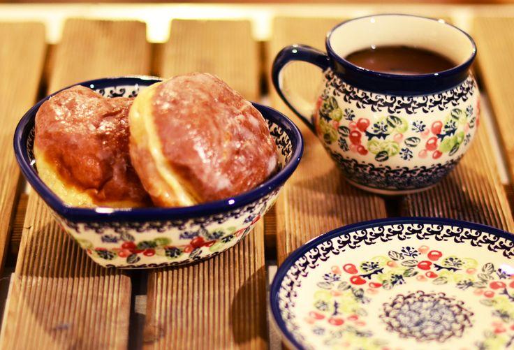 Fat Thursday! Traditional Polish doughnuts and boleslawiec ceramics:)