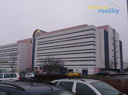 http://www.oblibenereality.cz/reality/pronajem-garaz-stani-box-praha-chodov-holusicka-0415