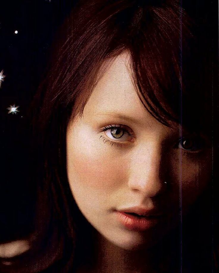 Emily Browning - Wanda at the end of The Host
