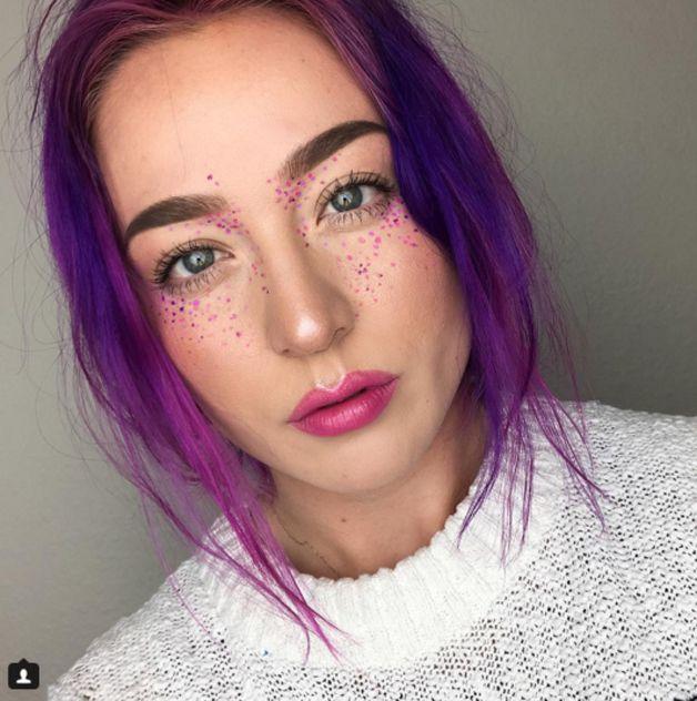 Sardas de arco-íris para animar a maquiagem