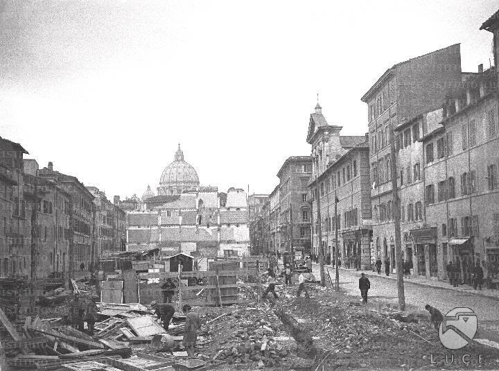 Veduta del tratto iniziale della spina di Borgo ridotto in macerie 06.03.1937
