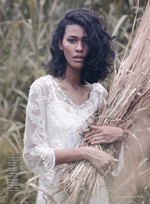 Gadis Tapak Bumi, Model: Reti Ragil, Photographer: Shadtoto Prasetio, Stylist: Karin Wijaya, Make Up & Hair Do: Bubah Alfian, Wardrobe: Biyan