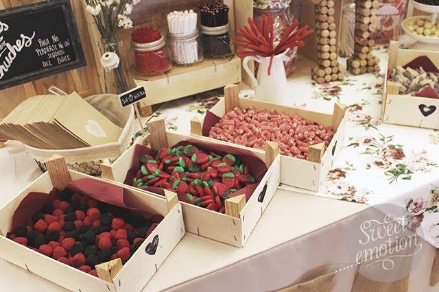La mesa dulce de las bodas merece especial atención. ¡Mira que formas de decorar…