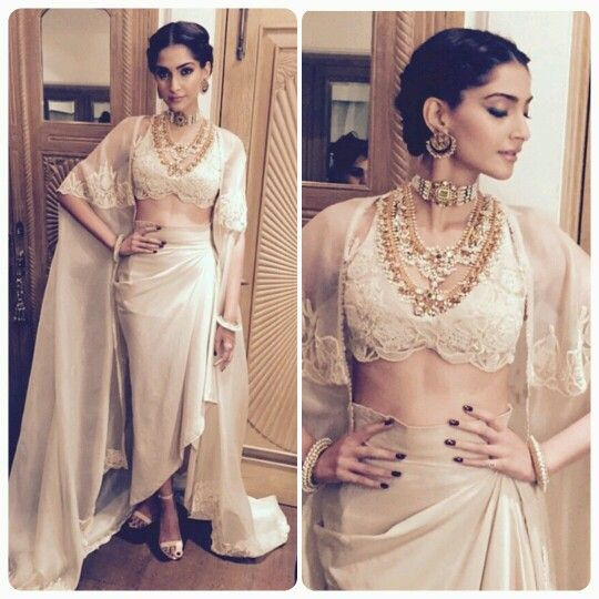 Sonam Kapoor in beautiful Anamika Khanna couture and with gorgeous jewels by Sunita Kapoor. When she made an appearance at the Filmfare awards 2015