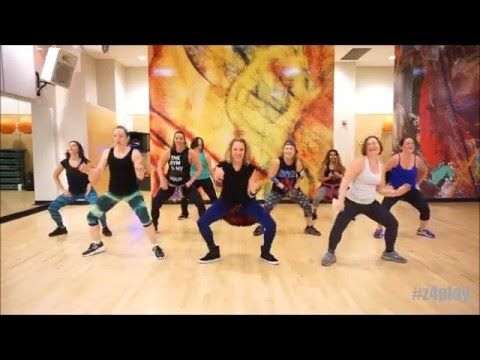 Flow Fitness (Elka Flowers) performs a routine to Wiggle by Jason Derulo. No Copyright infringement intended. Flow Fitness does not own any rights to this song.