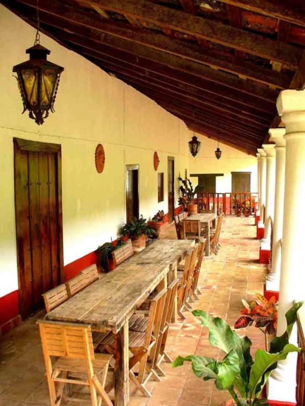 A comerCasa Mexicana, Colors Mexicanos, Estilo Mexicanos, Casa Alegre, Mexicans Decor, Mexico Magico, Living Outdoor, Nice Places, Decoracion Mexicana